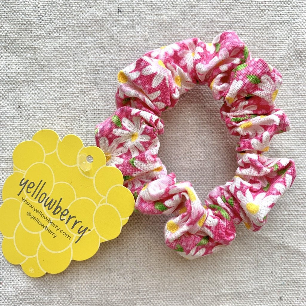 Yellowberry Scrunchie in Daisy Bubblegum (Pink with Daisys)