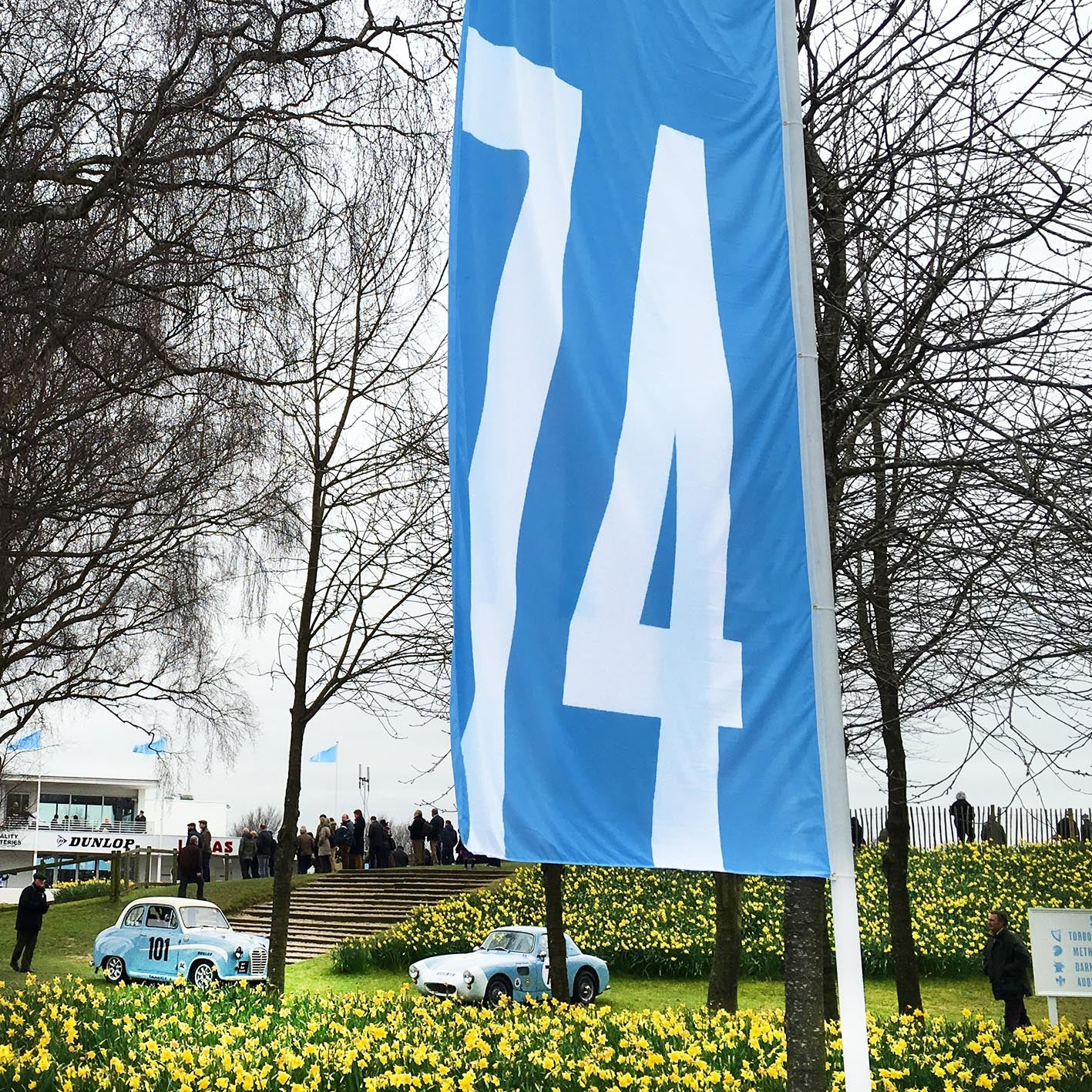 Goodwood crowds flock to the 74th Annual Members' Meeting