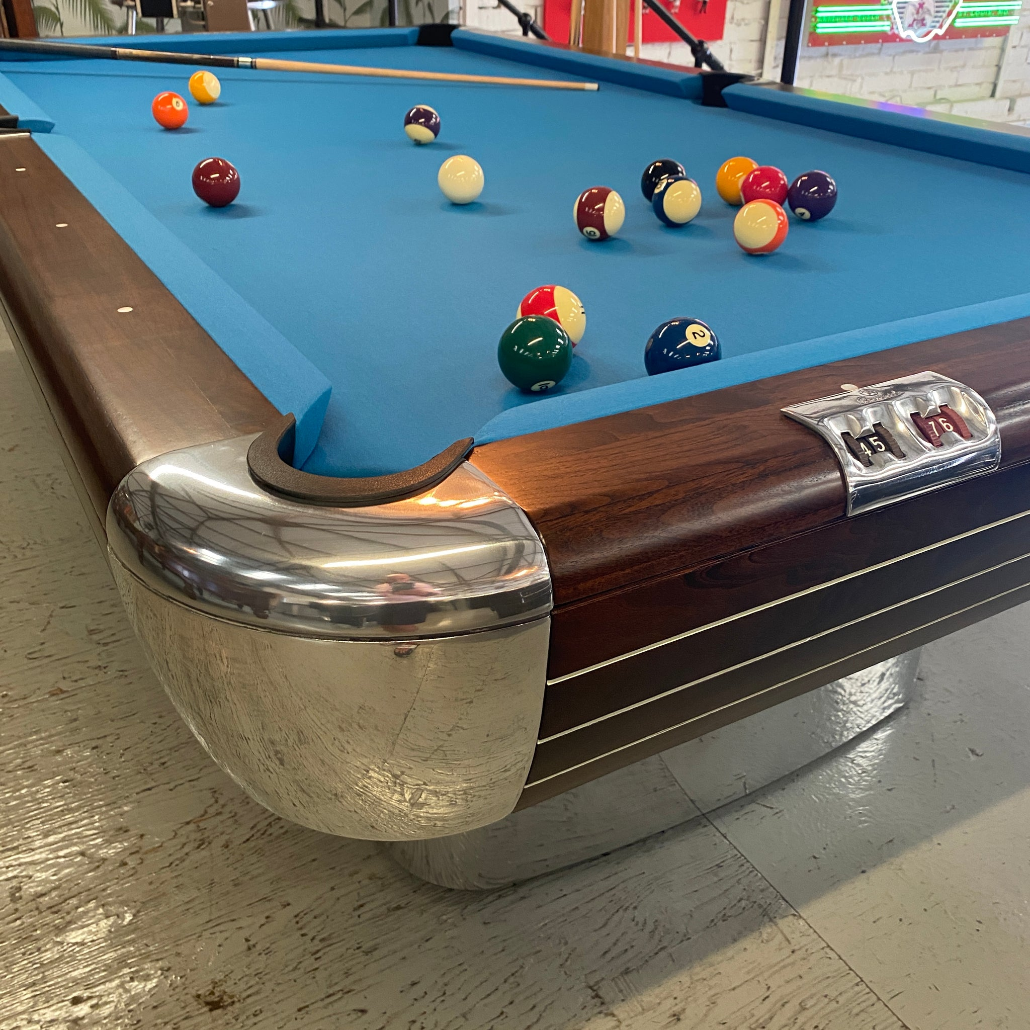 Brunswick Anniversary Pool Table 8ft
