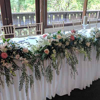 Chateau Wyuna wedding flowers decorations