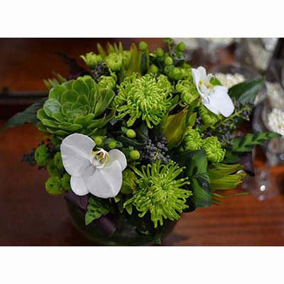 green spider chrysanthemum centerpiece