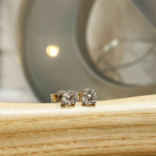 Load image into Gallery viewer, 18K White Gold Diamond Stud Earrings 0.30carat