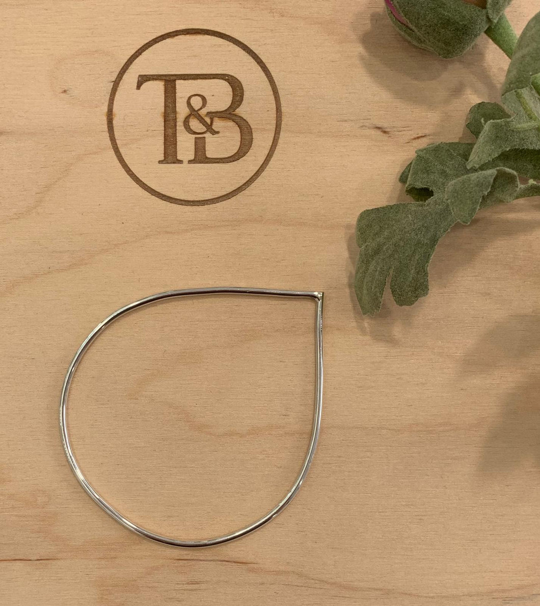 Silver Geo Simple Pear Bangle