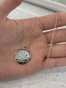 Hammered finish disc pendant