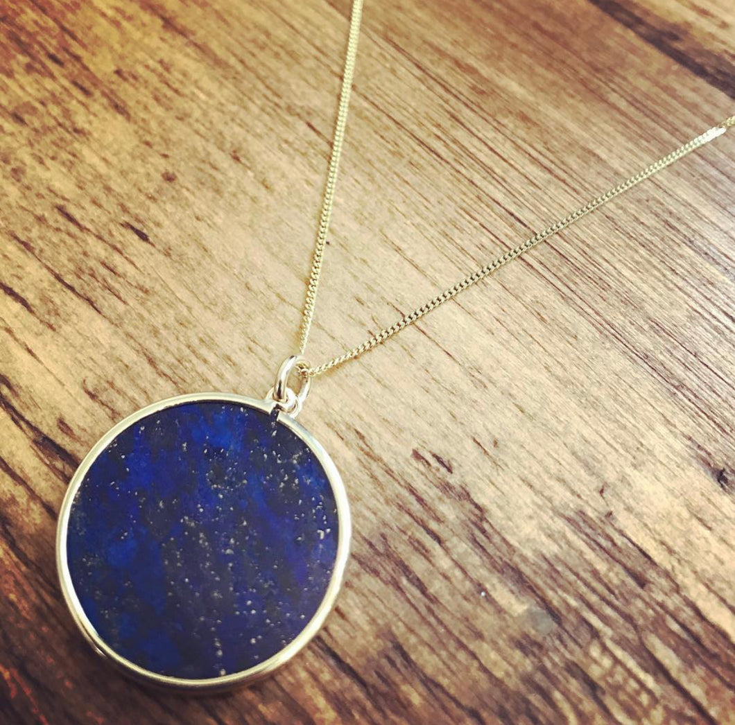 9ct Yellow Gold Lapis pendant and chain