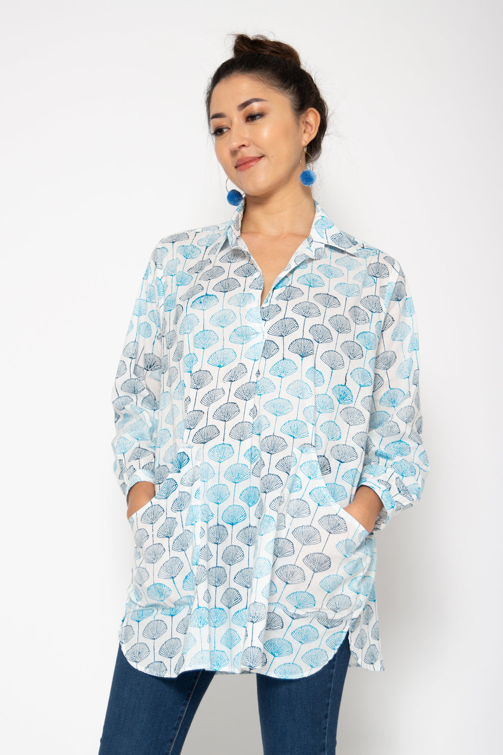 Baliza women´s Bambu shirt in blue Japanese fans block print