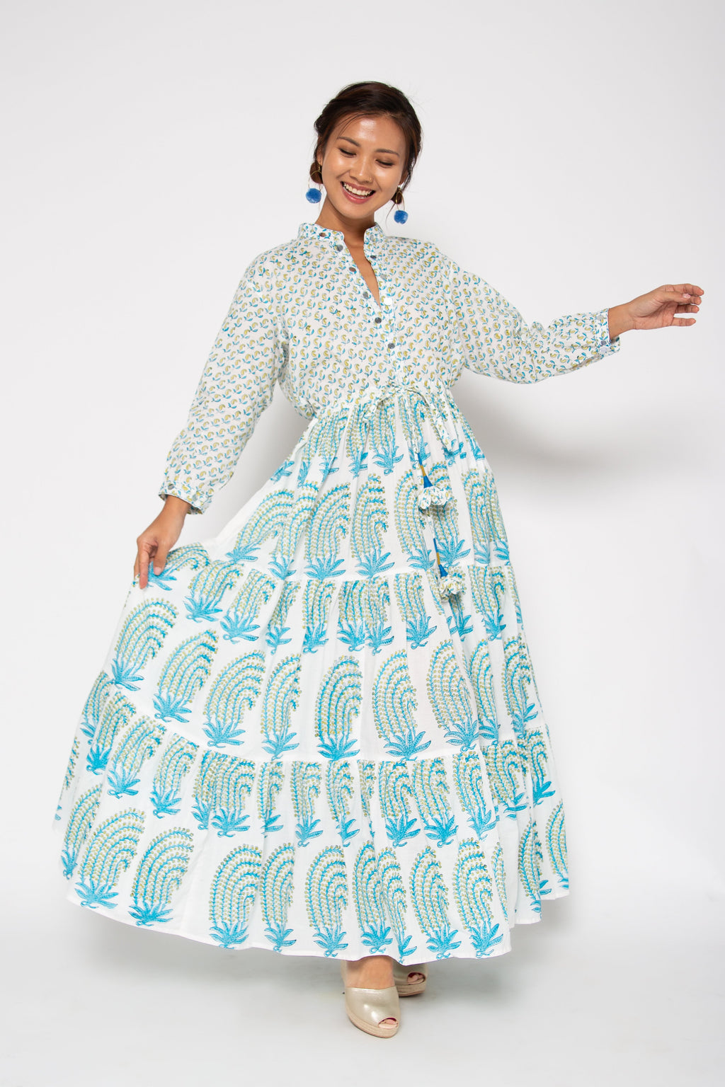 Baliza women´s Island maxi dress with pockets in blue paisley block print