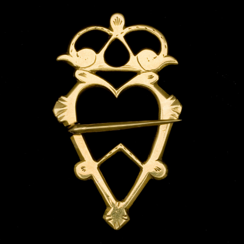 Luckenbooth -  Image via National Museums Scotland history of heart jewelry blog