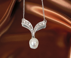classic pearl necklace with diamonds