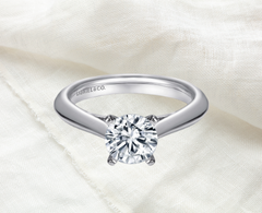 classic round cut solitaire engagement ring white gold Ottawa Gatineau