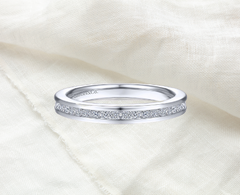 beautiful classic white gold and diamond ring