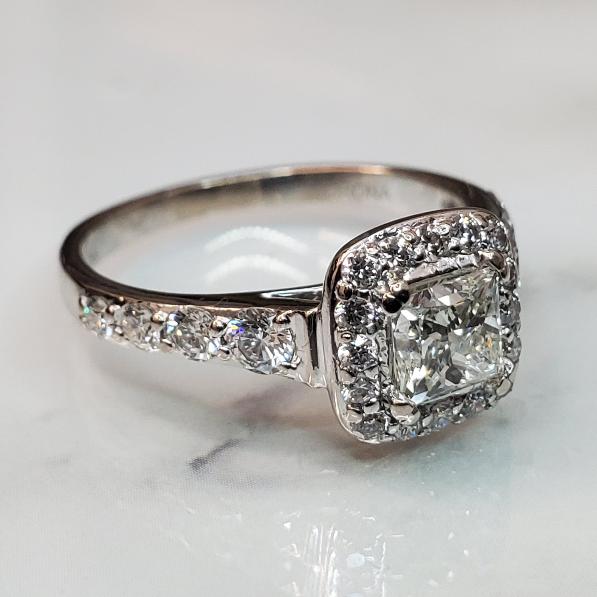 pre-owned 18k white gold princess cut diamond engagement ringond