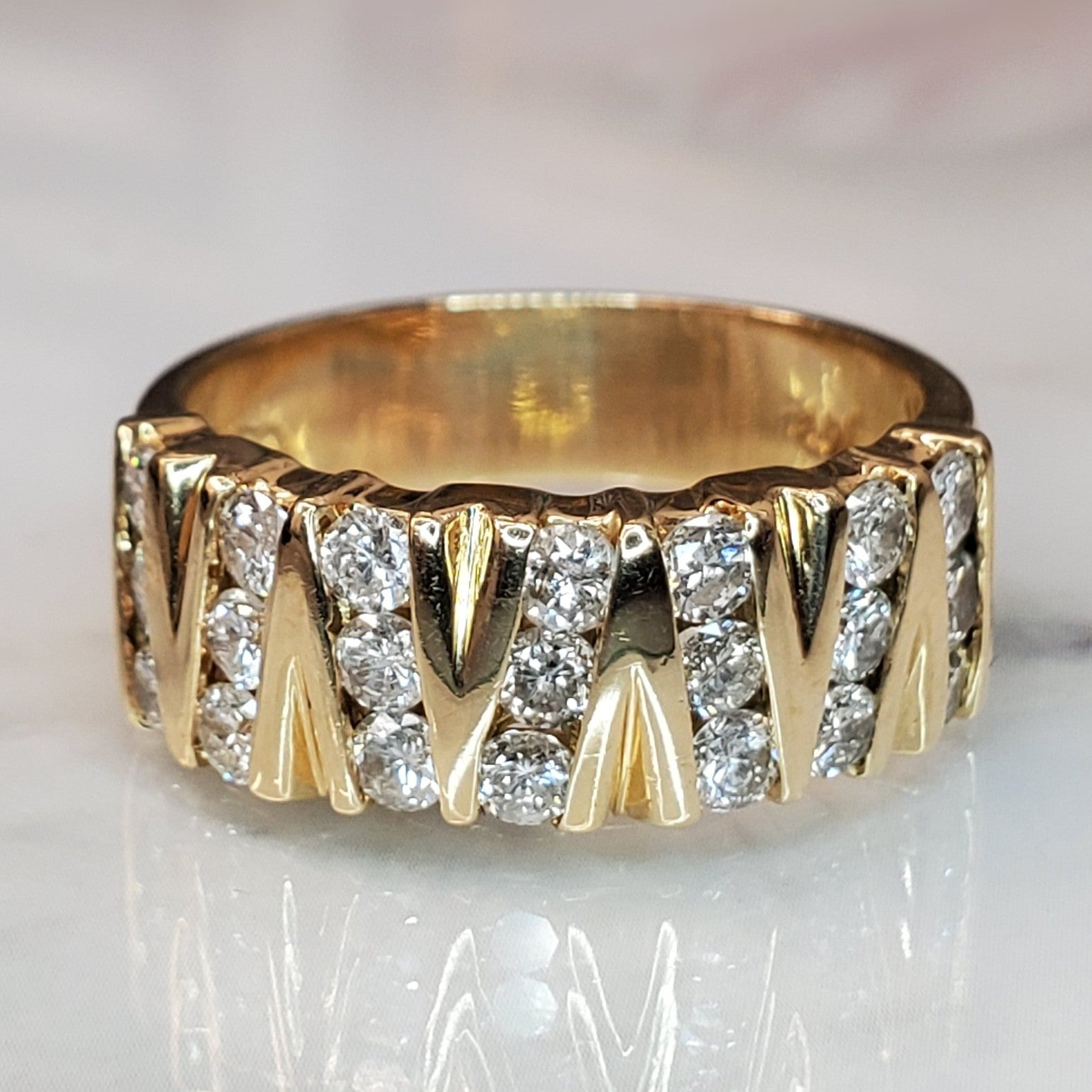 14 karat yellow gold, 0.75 total carat weight, diamond, zig zag pattern, retro design, estate ring