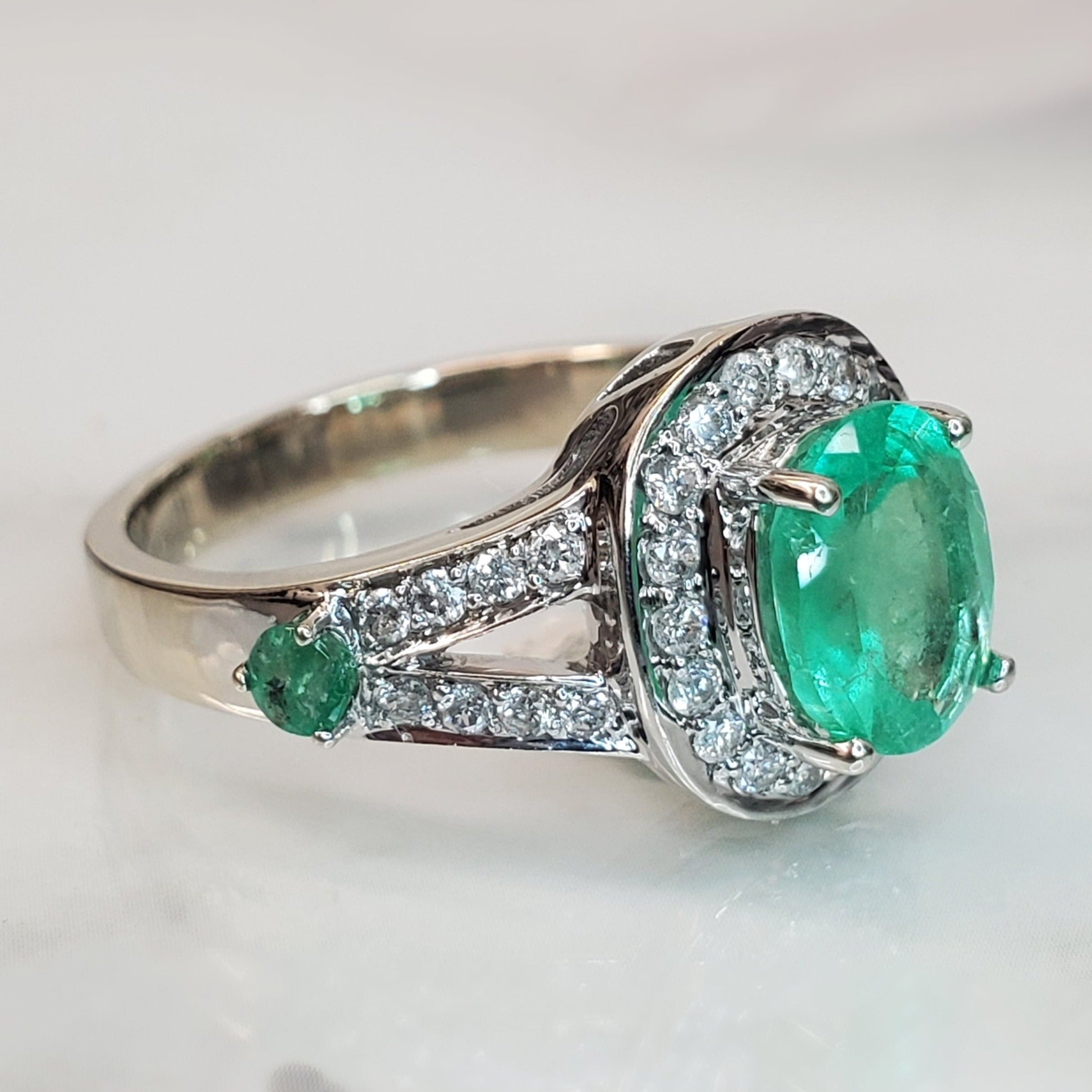 Pre-Owned 1.25ct Emerald Halo Split Shank Ring in 14k White Gold