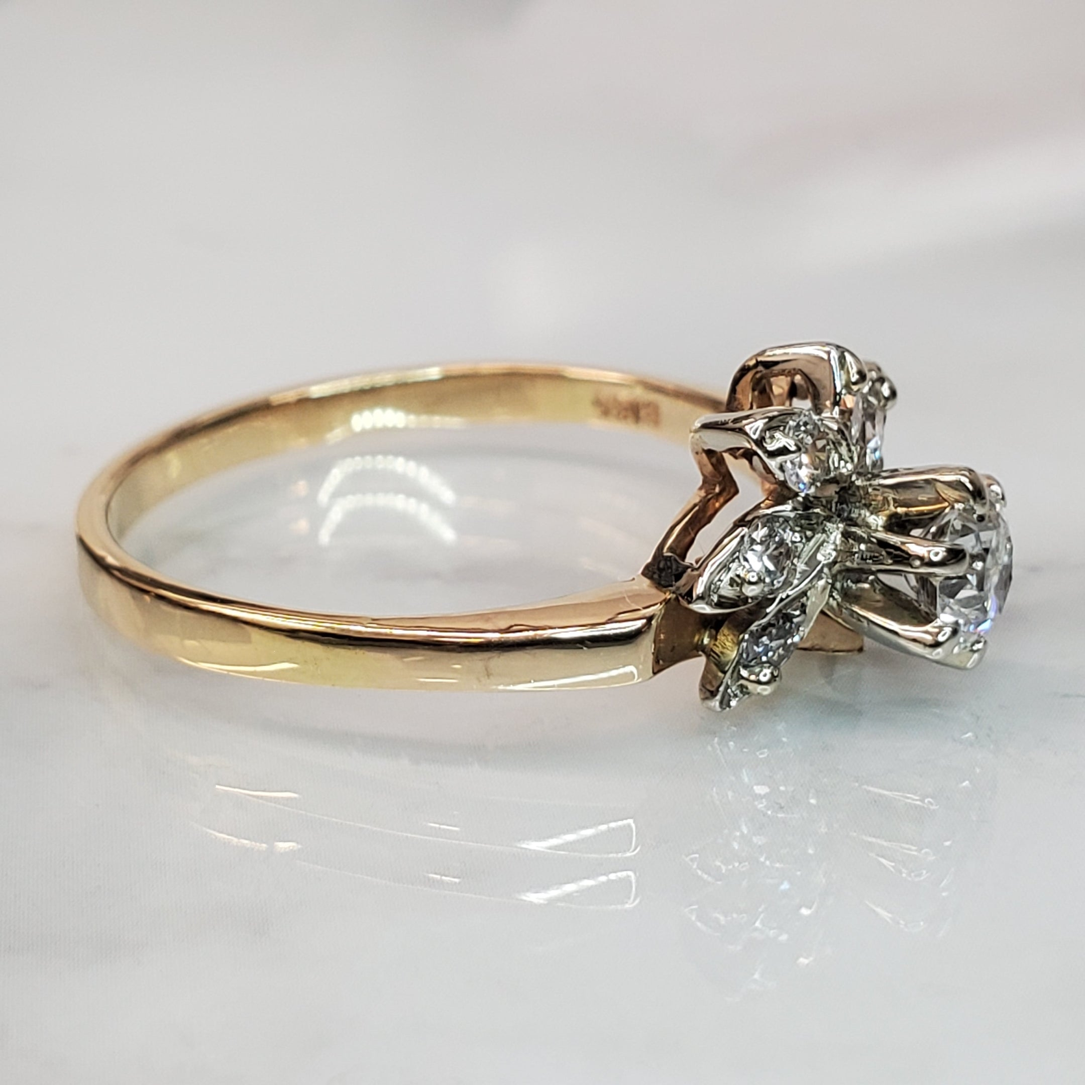 Vintage Floral  Diamond Ring in 18K Yellow Gold