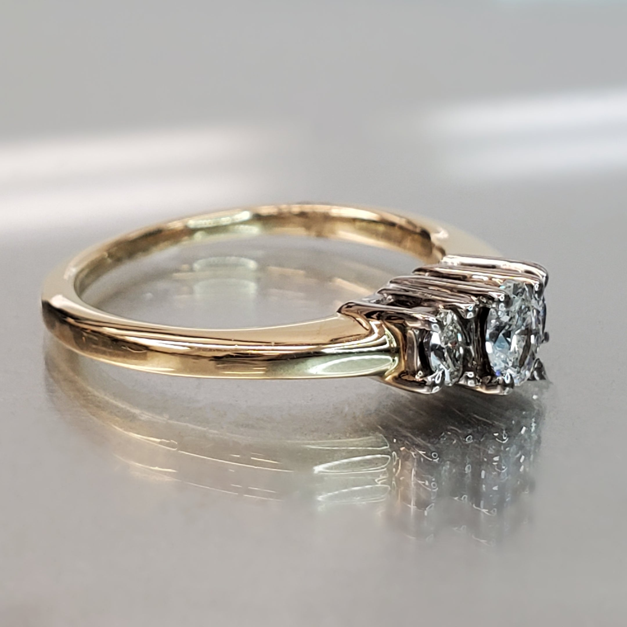 Pre-Owned Three Stone Oval Diamond Ring