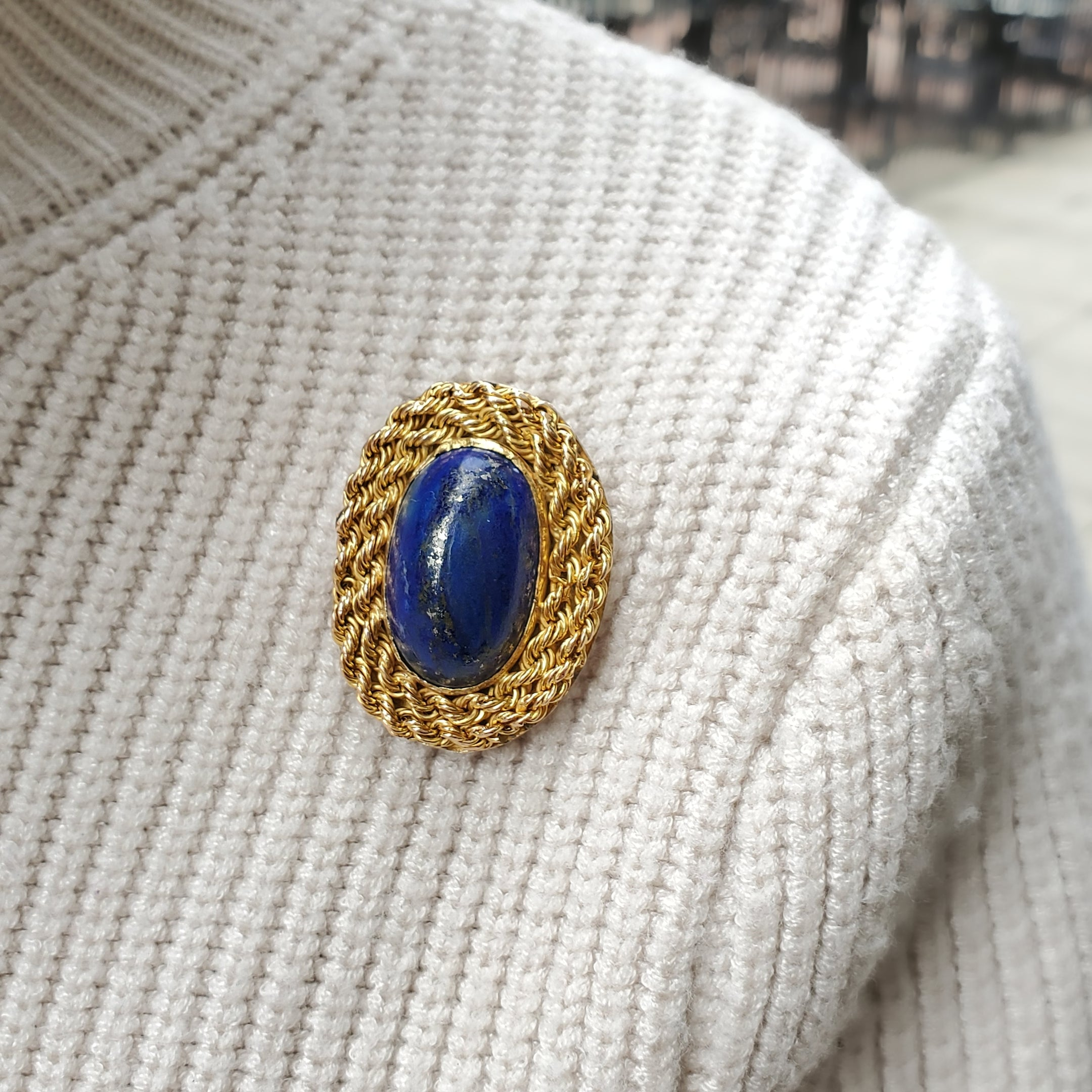 Estate 14k Yellow Gold Large Oval Lapis Lazuli Brooch