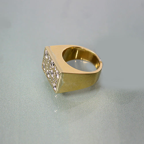 14 karat yellow gold, 1.87 total carat weight diamonds, pave set, estate ring