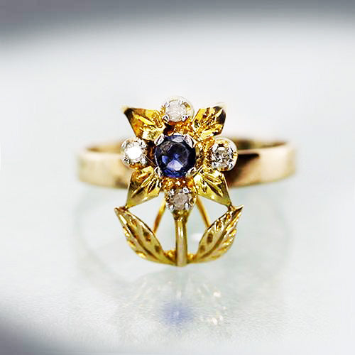 10 karat yellow gold, blue sapphire and diamond, flower design, estate ring