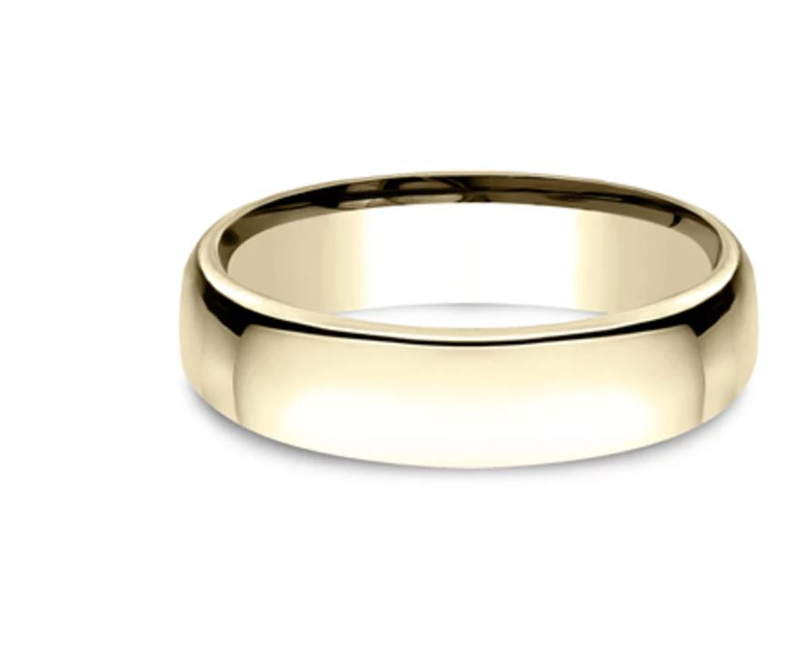 5.5mm 18k yellow gold classic ring with a high polish finish