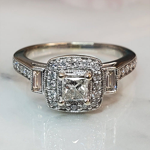 Pre-Owned 14K White Gold Princess Cut Halo Diamond Engagement Ring