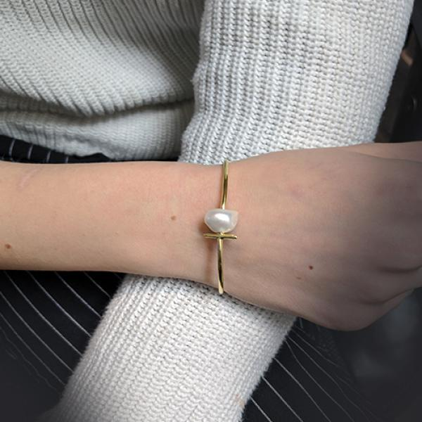Petit Bijoux 18k Yellow Gold Plate Sterling Silver T-Bar Pearl Bangle