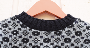 Charming sweater with faroese pattern