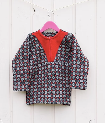 Girls sweater with faroese pattern and zipper