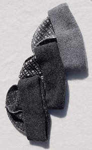 Beanies with the 'the hen's poke' pattern