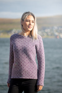 Sweater with the faroese pattern 'bloom' (model 359)