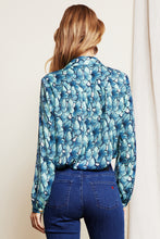 Load image into Gallery viewer, Mira Blouse Butter Oh So Fly Cashmere Blue