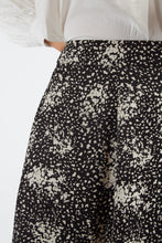Load image into Gallery viewer, Kiyo Scatter Spray Skirt Black & White