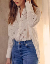 Load image into Gallery viewer, Charlee Flowery Shirt White