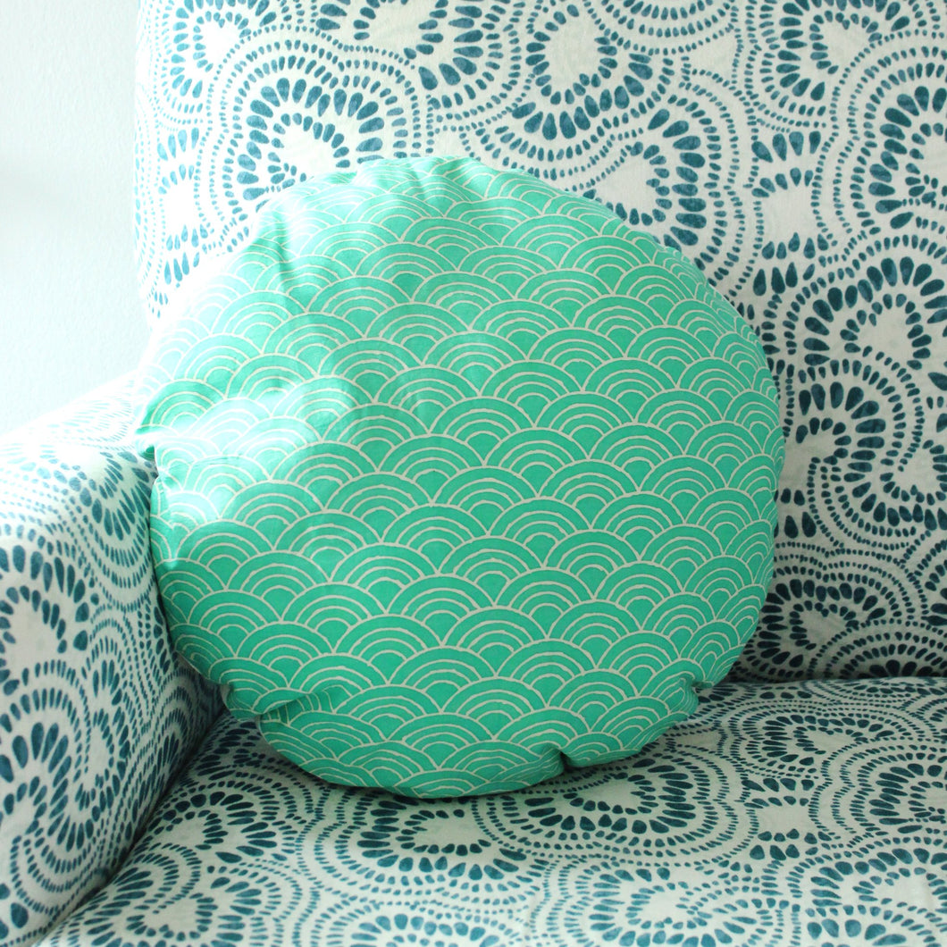 Wave Round Striped Decorative Round Pillow Cover 16