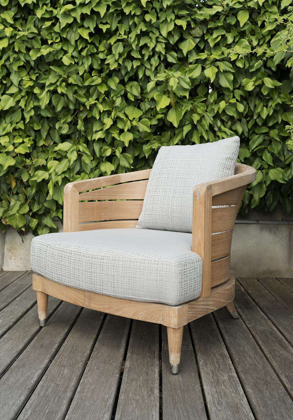 DECKSMART INTERNATIONAL GLYN PETER MACHIN OCEANSAND LOUNGE CHAIRS X 2