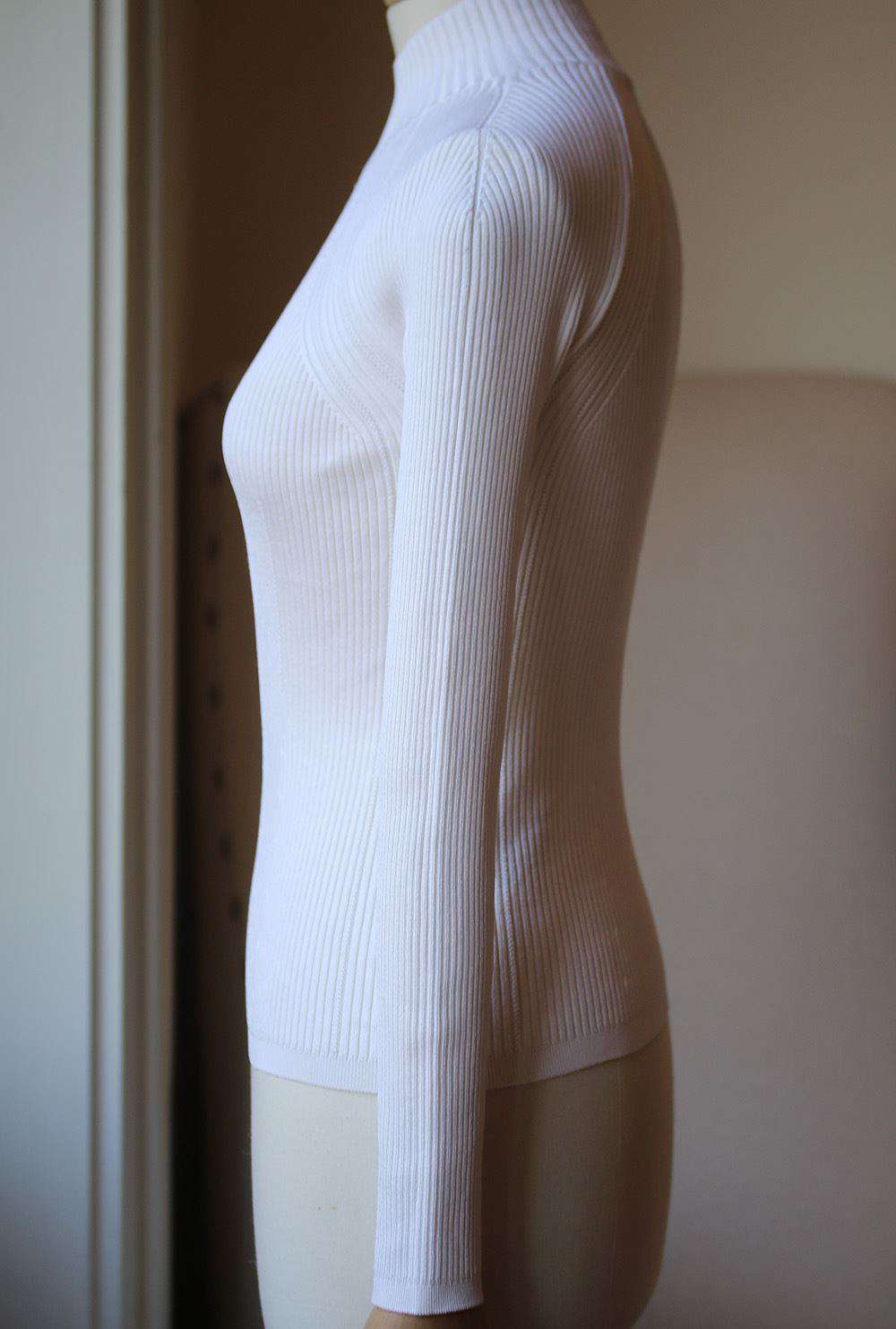 TOM FORD RIBBED TURTLENECK TOP SMALL