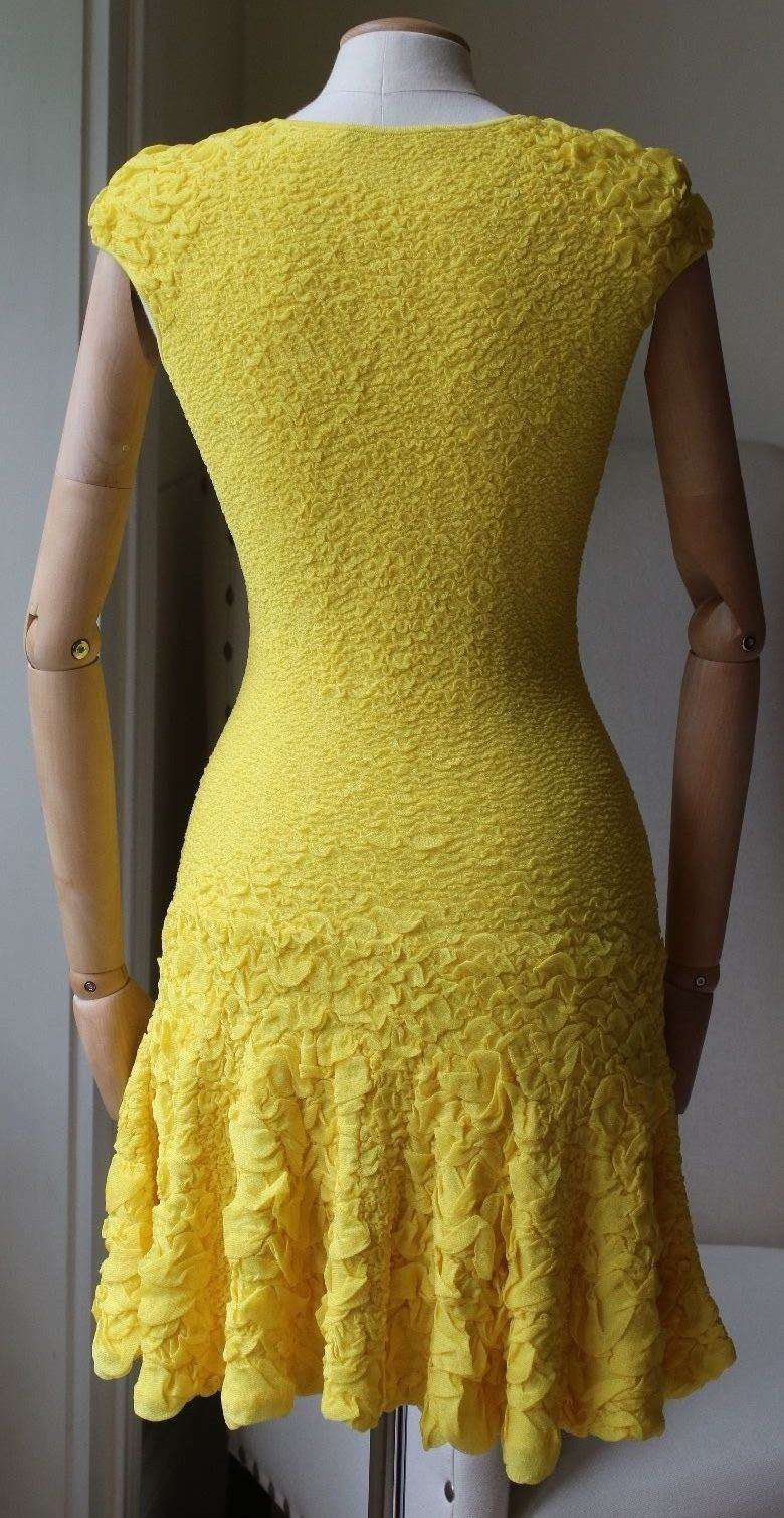 ALEXANDER MCQUEEN YELLOW KNITTED DRESS SMALL