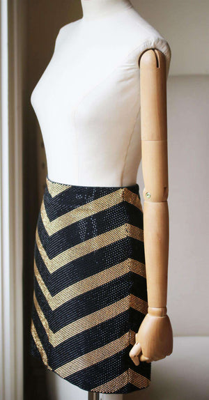 BALMAIN CRYSTAL EMBELLISHED CHEVRON MINI SKIRT FR 36 UK 8