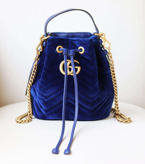 GUCCI GG MARMONT LEATHER TRIMMED QUILTED VELVET BUCKET BAG