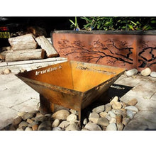 Load image into Gallery viewer, Pyramid Fire Pit in Natural Rust Finish