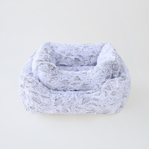 Deluxe Pet Bed Collection   Lovely Paws