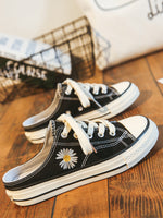 Flat Heel Lace-Up Holiday Daisy Canvas Shoes