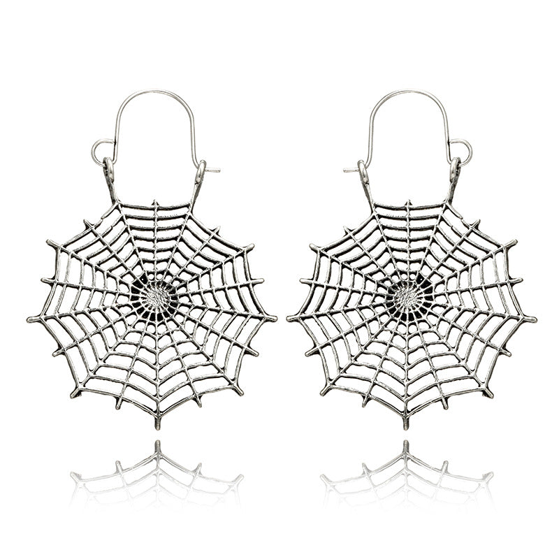 Simple Spider Web Semicircle C-C Carved Water Drop Fan Earrings