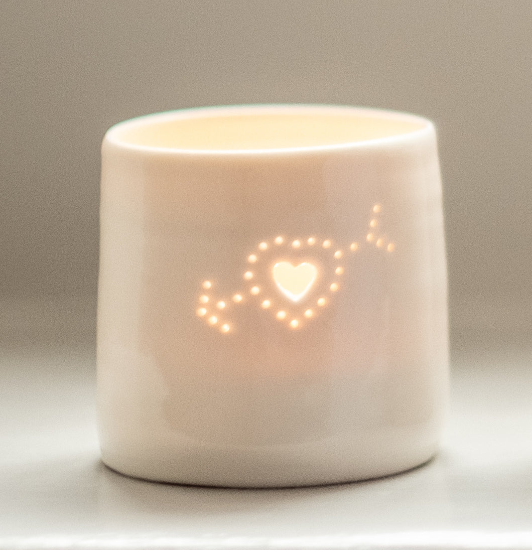 Arrow heart mini tealight holder