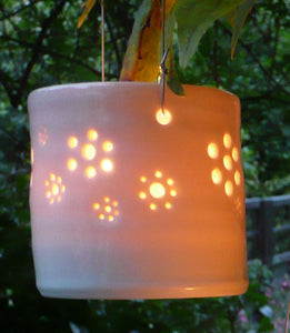 Daisy field hanging mini porcelain tealight holder
