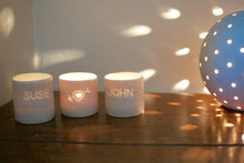 Load image into Gallery viewer, Arrow heart mini tealight holder