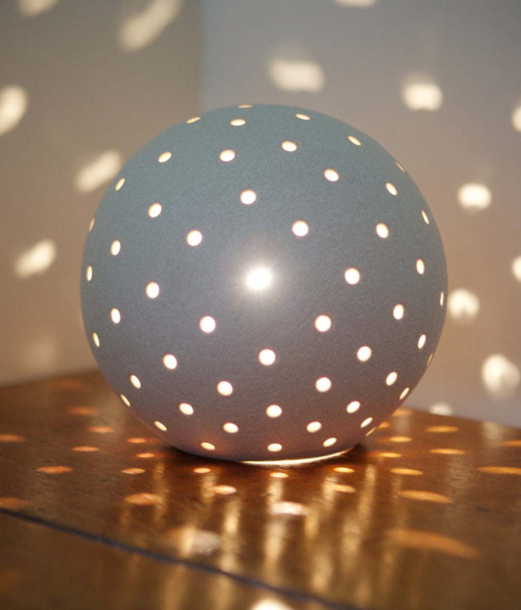 Luna Snowball Light Small - Textured Finish