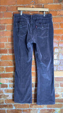Load image into Gallery viewer, Women's Levi's 526 Slender Bootcut Corduroy Pants Size Size 16