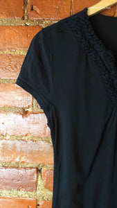 Ann Taylor LOFT Black Size Medium T-shirt
