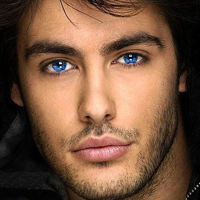 Men's bright blue (12 months) cosmetic contact lenses